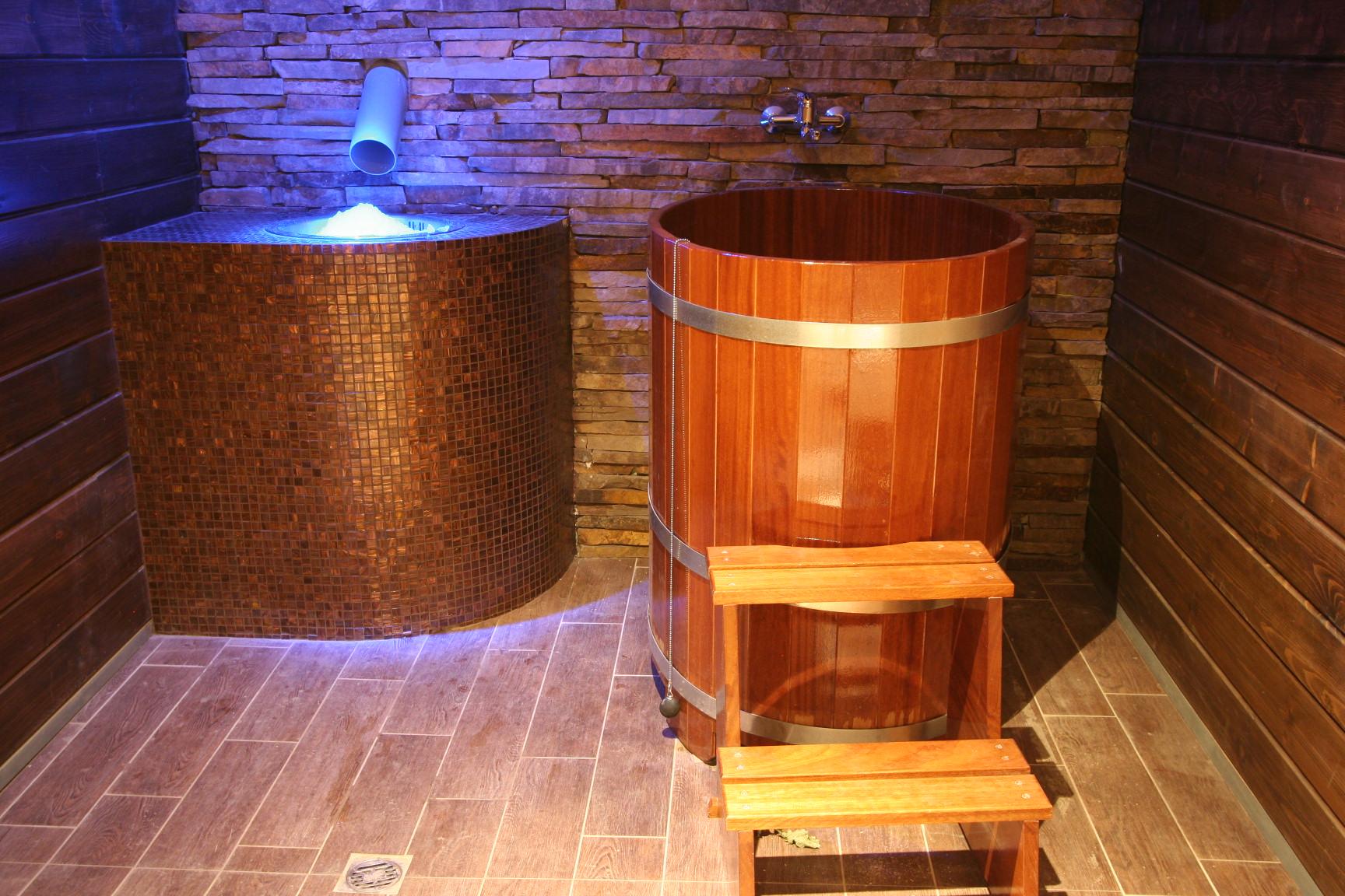 Čeber za hlajenje po uporabi savne - stoječ