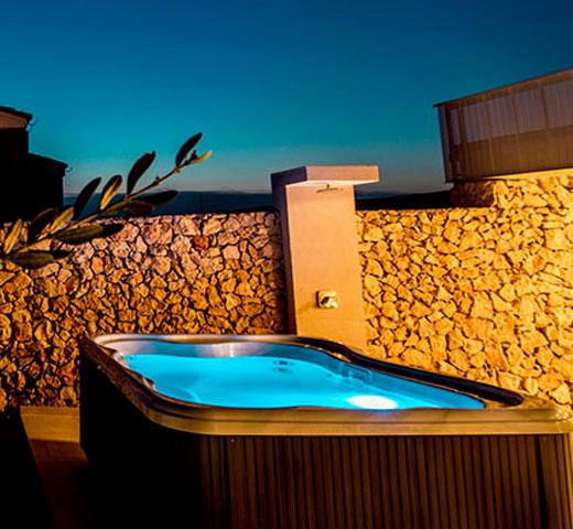 Jacuzzi Lodge S na terasi